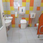 Casa de banho para crianças com e sem mobilidade reduzida